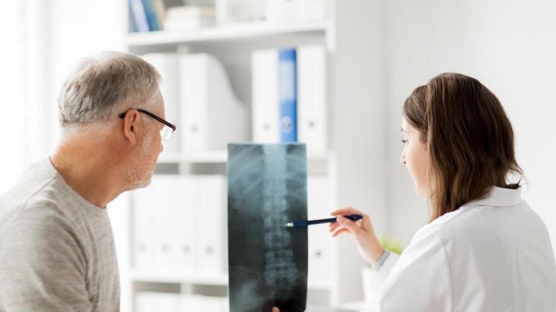Rodzaje, objawy, leczenie i rehabilitacja po złamaniach kończyn